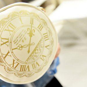 Дамска чанта часовник в Бяло