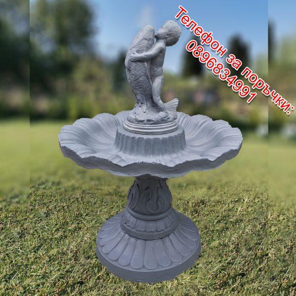 Градински фонтан / шадраван от 4 части със статуя бебе с риба от бетон в сив цвят