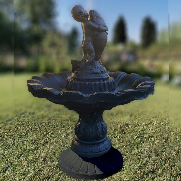 Градински фонтан / шадраван от 4 части със статуя бебе с риба от бетон в черен цвят