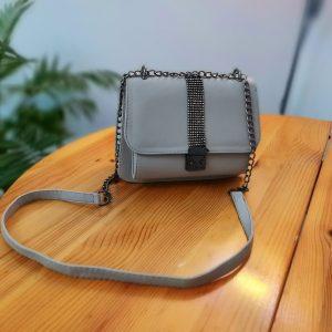 Малка дамска чанта + дълга презрамка. Сив цвят