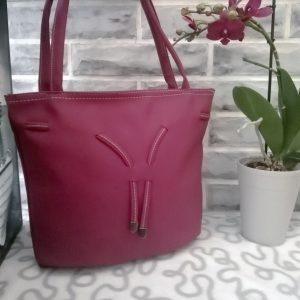 Голяма дамска чанта тип торба Olivia в лилал цвят
