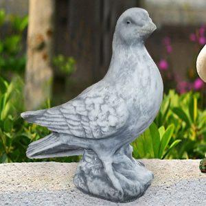 Гълъб от бетон за интериорна и екстериорна декорация - патиран в сив и бял цвят