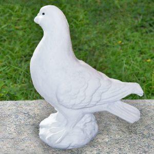 Гълъб от бетон за интериорна и екстериорна декорация - бял цвят