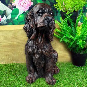 Фигура - статуя от бетон на куче Кокер Шпаньол - патирана в кафяв и черен цвят